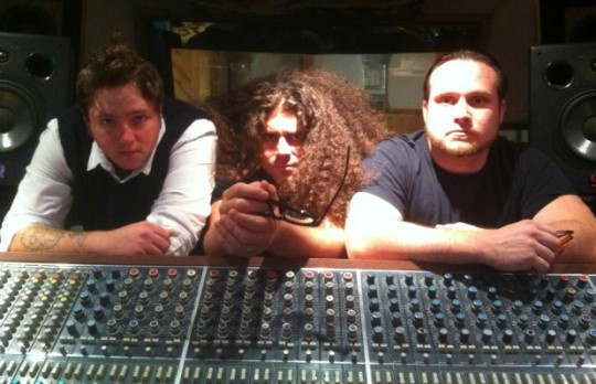 """coheed and cambria 540x348 - Video: Coheed and Cambria Cover """"Somebody That I Used To Know"""""""