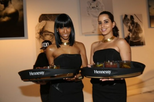 hen 540x359 - T.I. Celebrates Launch of #Book of Kings Vol. 1 @troubleman13 @akooclothing @abookofkings