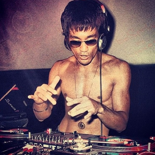 dj bruce lee - #StyleWatch: Gung Fu Scratch Tee- Bruce Lee by Bow & Arrow @bowandarrow78 #dj #BRUCELEE