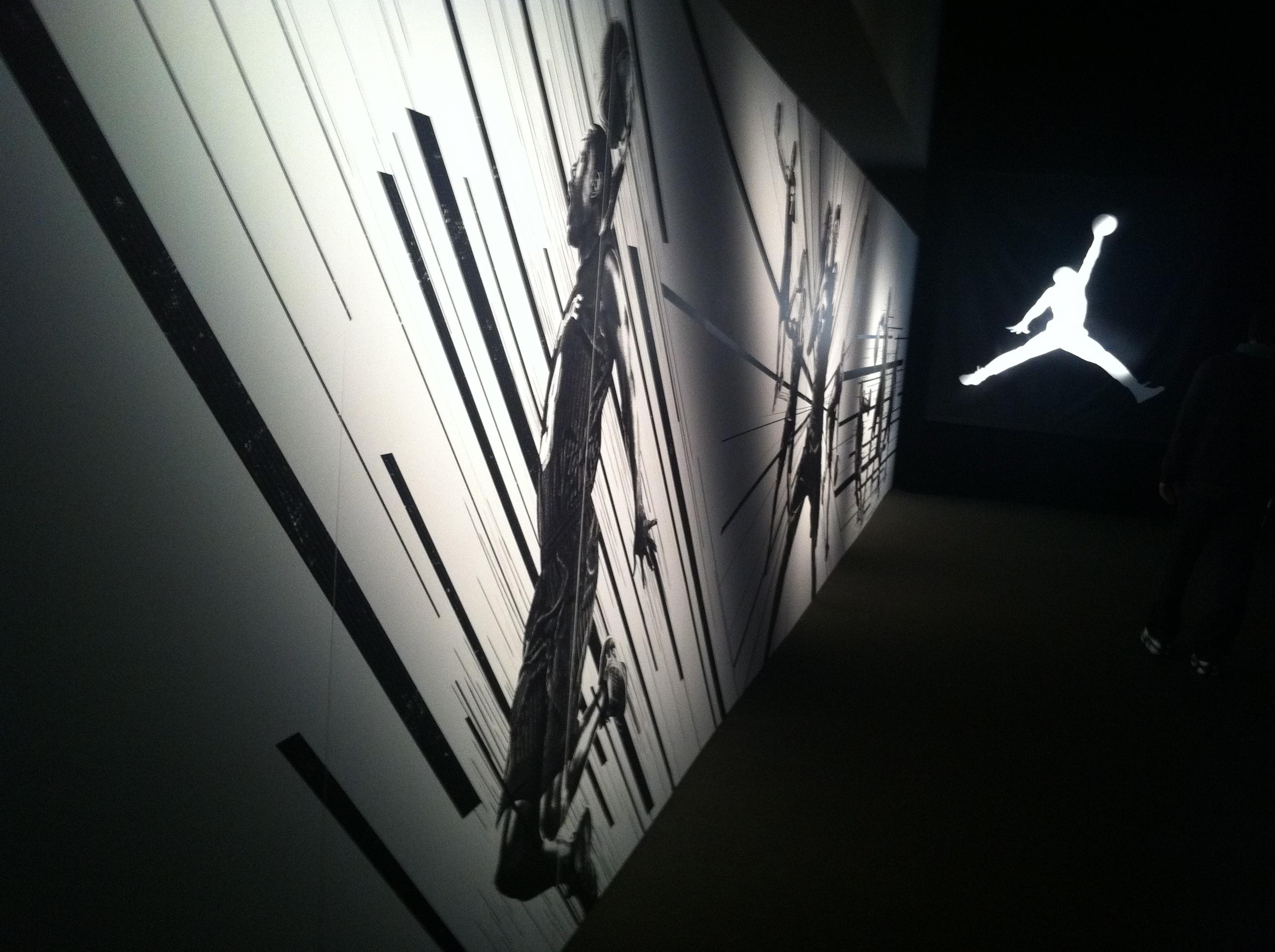 intro hallway - Jordan Flight Forum Holiday 2011