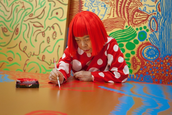 a 560x375 - Louis Vuitton & Yayoi Kusama Team Up For An Artsy Collection