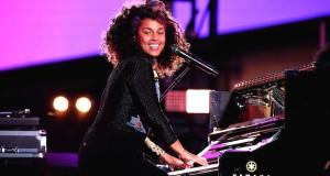 675455669KC00033 Alicia Key 300x160 - Event Recap: Alicia Keys Performs Concert in Times Square To Celebrate New Album #HERE @aliciakeys @QtipTheAbstract @Nas @JohnMayer @questlove