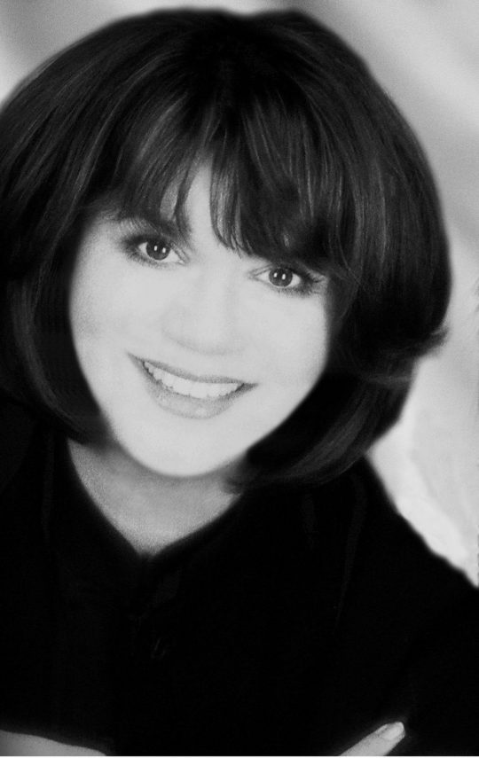 Linda Ronstadt1 540x855 - Event Recap: 64th annual Spirit of Achievement Awards honoring Linda Ronstadt, Penny Drue Baird, Dottie Herman, and Allen M. Spiegel, M.D @EinsteinMed @ronstadtlinda @JillMartin