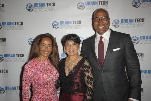 YEH 7009 500x333 - Event Recap: Urban Tech 23rd Annual Gala @UrbanTechCenter @alicialquarles @GrainDg @ThePierreNY