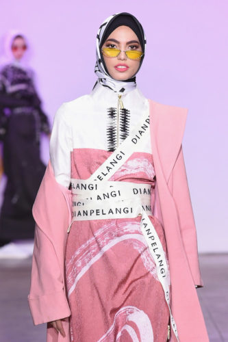 1095045824 333x500 - Indonesian Diversity #NYFW #FW2019 @Alleiraplazacom @dianpelangi @itangsz_fashion #indiefashion