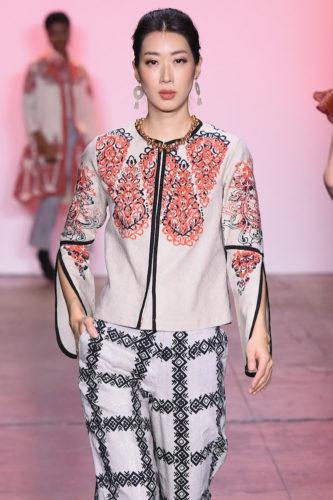 1095059888 333x500 - Indonesian Diversity #NYFW #FW2019 @Alleiraplazacom @dianpelangi @itangsz_fashion #indiefashion