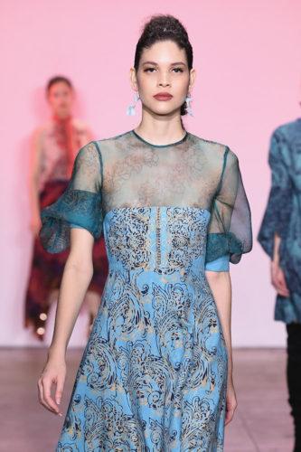 1095059900 333x500 - Indonesian Diversity #NYFW #FW2019 @Alleiraplazacom @dianpelangi @itangsz_fashion #indiefashion