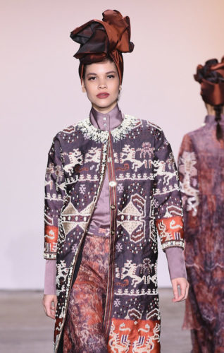 1095060276 318x500 - Indonesian Diversity #NYFW #FW2019 @Alleiraplazacom @dianpelangi @itangsz_fashion #indiefashion