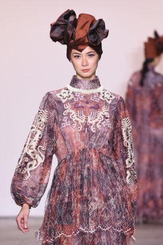 1095060278 333x500 - Indonesian Diversity #NYFW #FW2019 @Alleiraplazacom @dianpelangi @itangsz_fashion #indiefashion