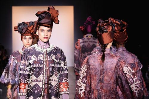 1095060406 500x333 - Indonesian Diversity #NYFW #FW2019 @Alleiraplazacom @dianpelangi @itangsz_fashion #indiefashion