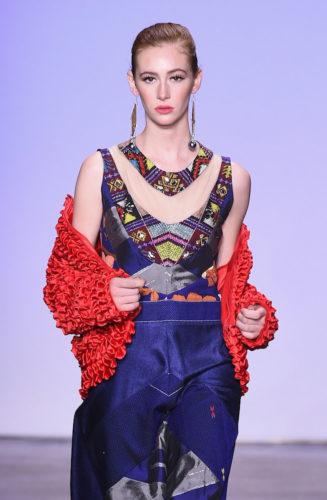 1095063458 327x500 - Indonesian Diversity #NYFW #FW2019 @Alleiraplazacom @dianpelangi @itangsz_fashion #indiefashion