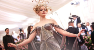 metgalajuliagarner 300x160 - Zac Posen x @GEAdditive x @Protolabs unveil breathtaking #3Dprinting collaboration at the #MetGala2019 @Zac_Posen #ZPLovesTech