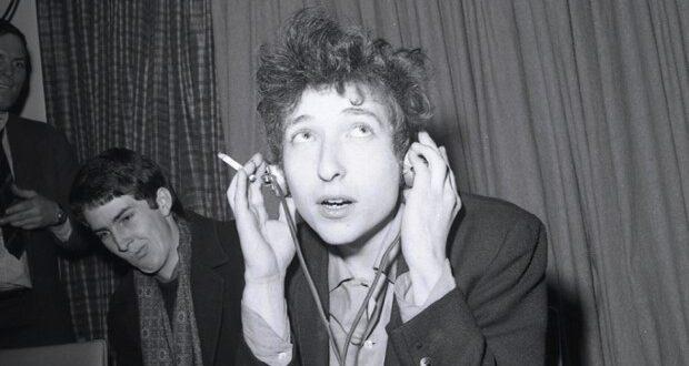 Bob Dylan 620x330 - The World of Bob Dylan Edited by Sean Latham